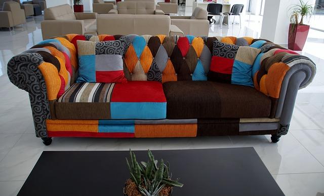 sofa-837019_640