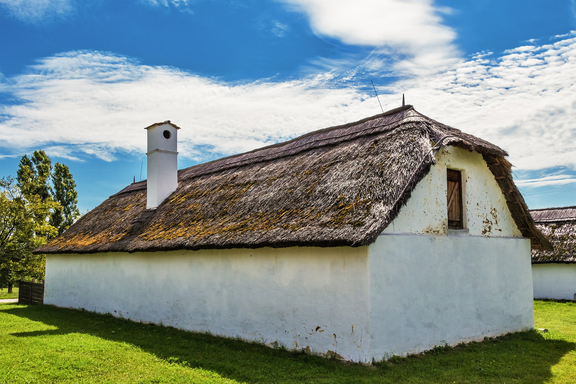 old-house-626633_1920